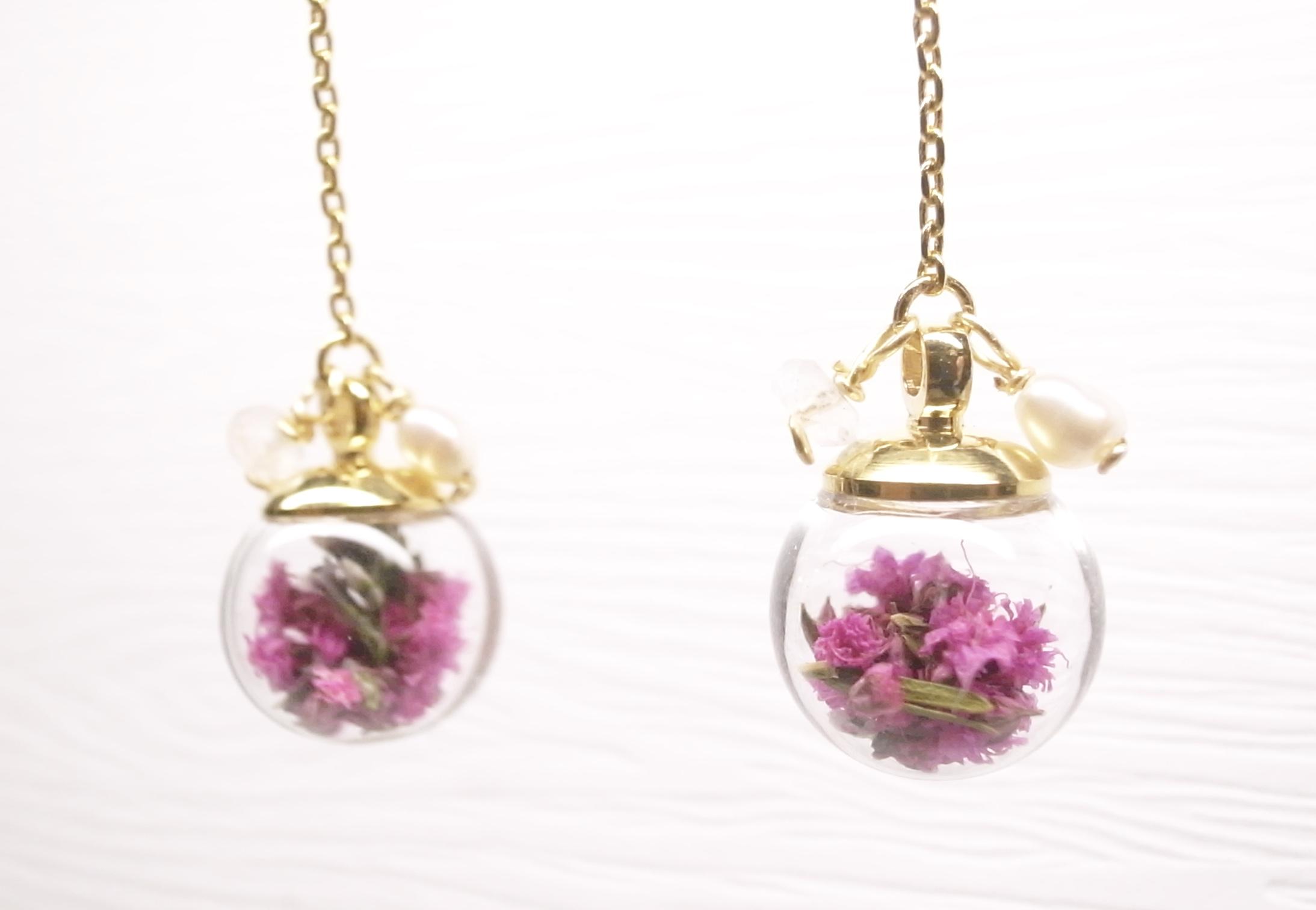 《二毛銀》【泡泡球系列-滿天星乾燥花18K金垂吊式耳環(桃紅)】(一對)