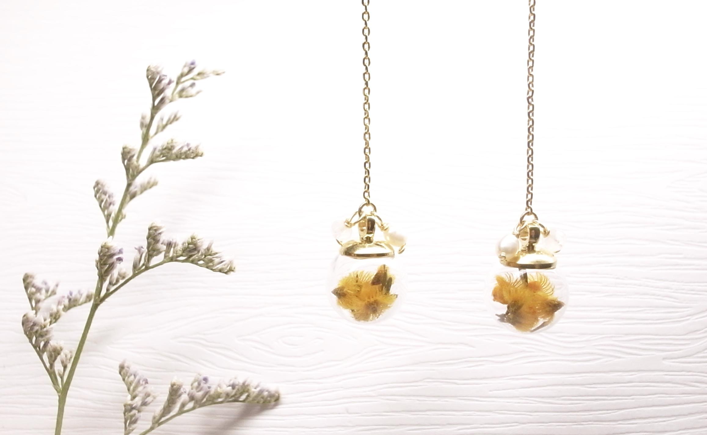 《二毛銀》【泡泡球系列-維多玫乾燥花18K金垂吊式耳環(仲夏橘)】(一對)