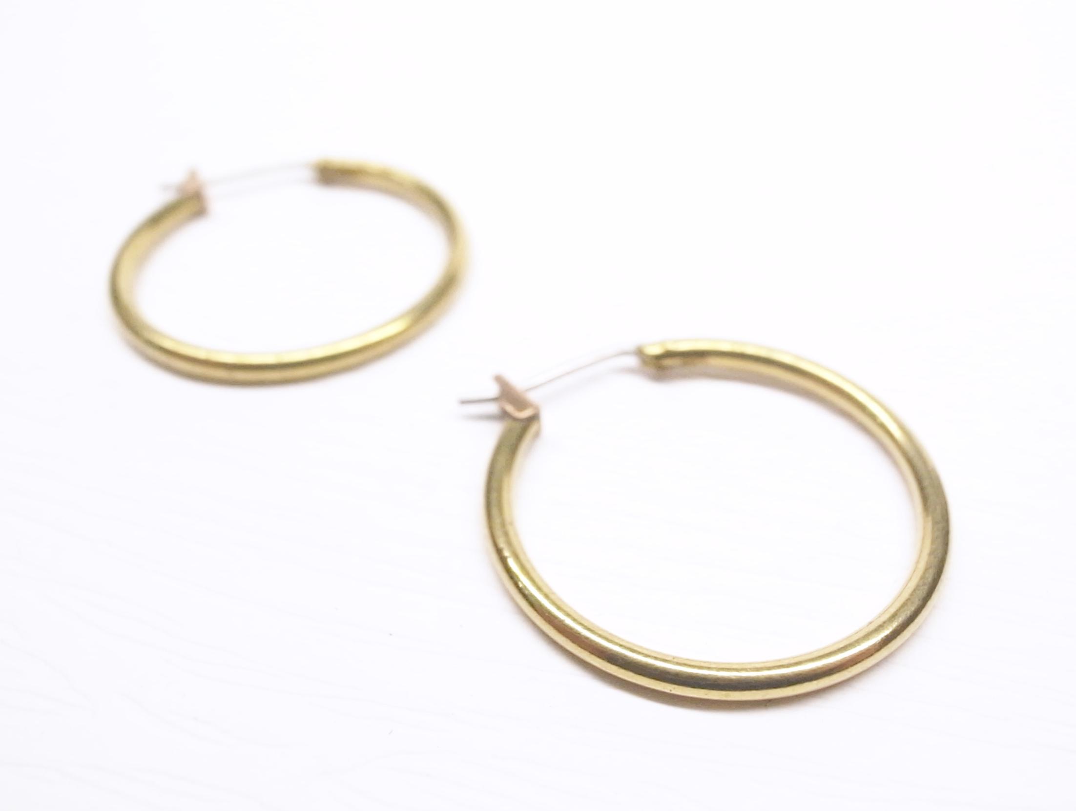 《二毛銀》【18K金黃銅底中型圈圈耳環】(一對)