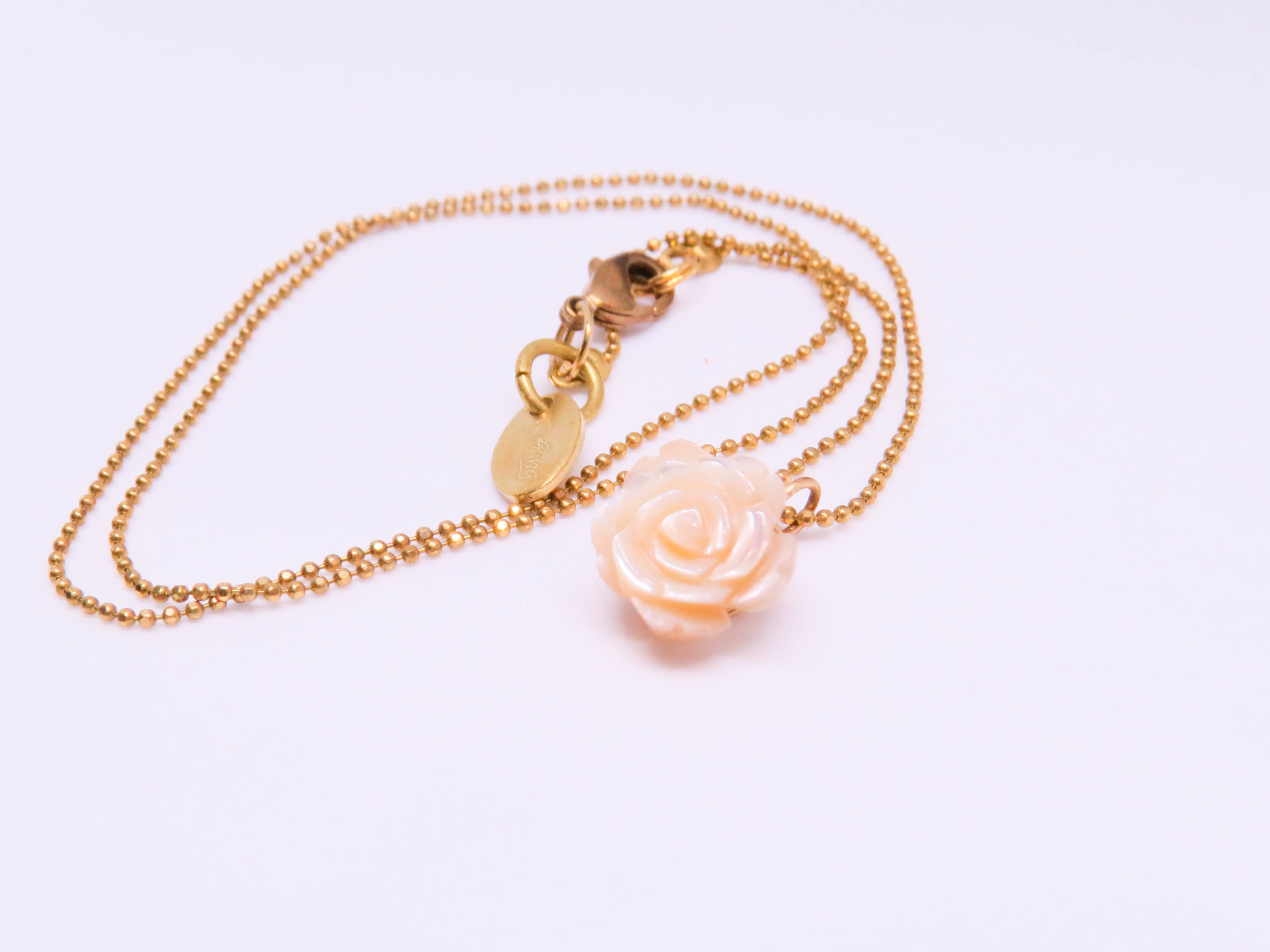 貝殼玫瑰刻花項鍊