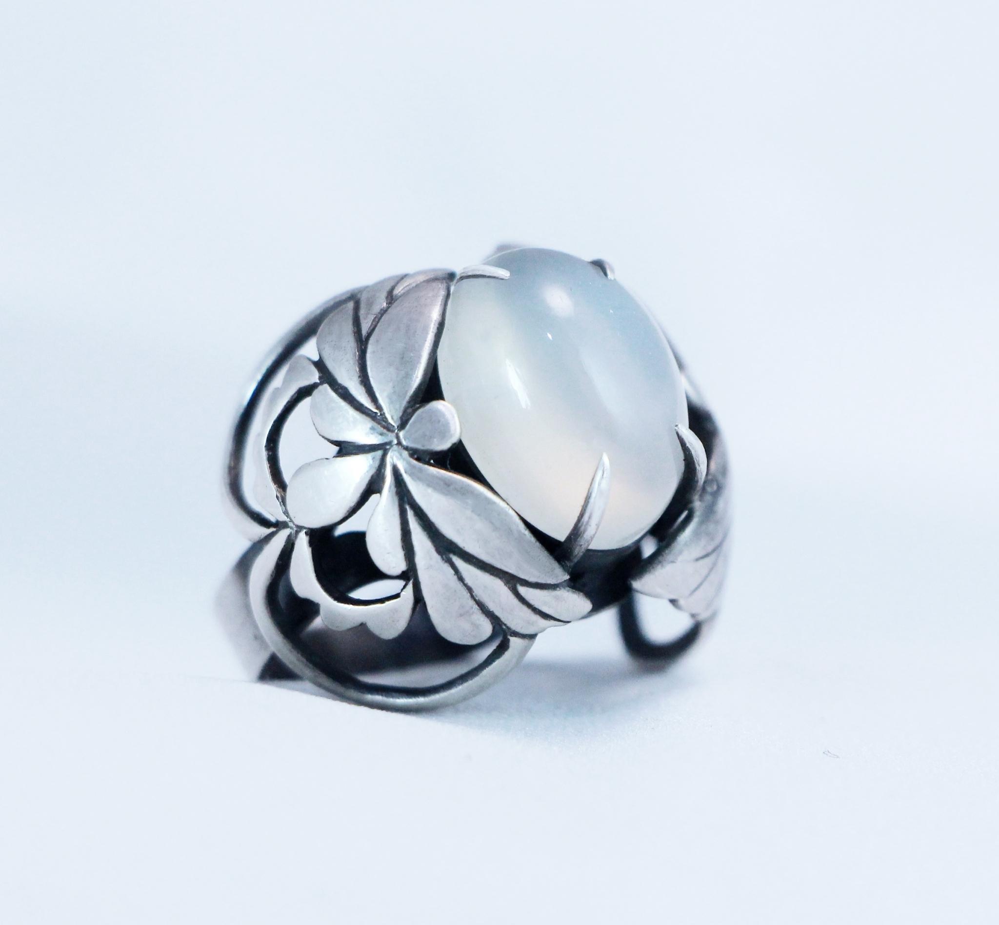 月蝶見君。月光石925銀戒指。