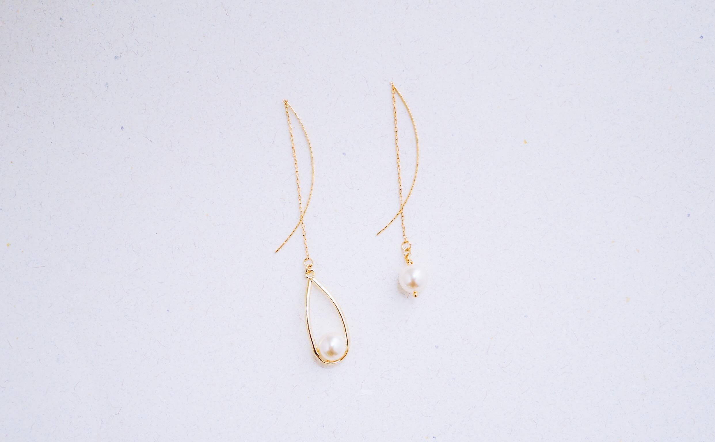雫-耳線--簍空水滴嵌水晶珍珠不對稱耳環