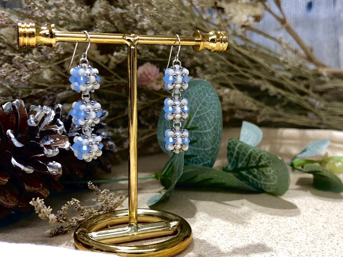 【輪狀珠寶球】- 華麗毛毛蟲耳環(藍)