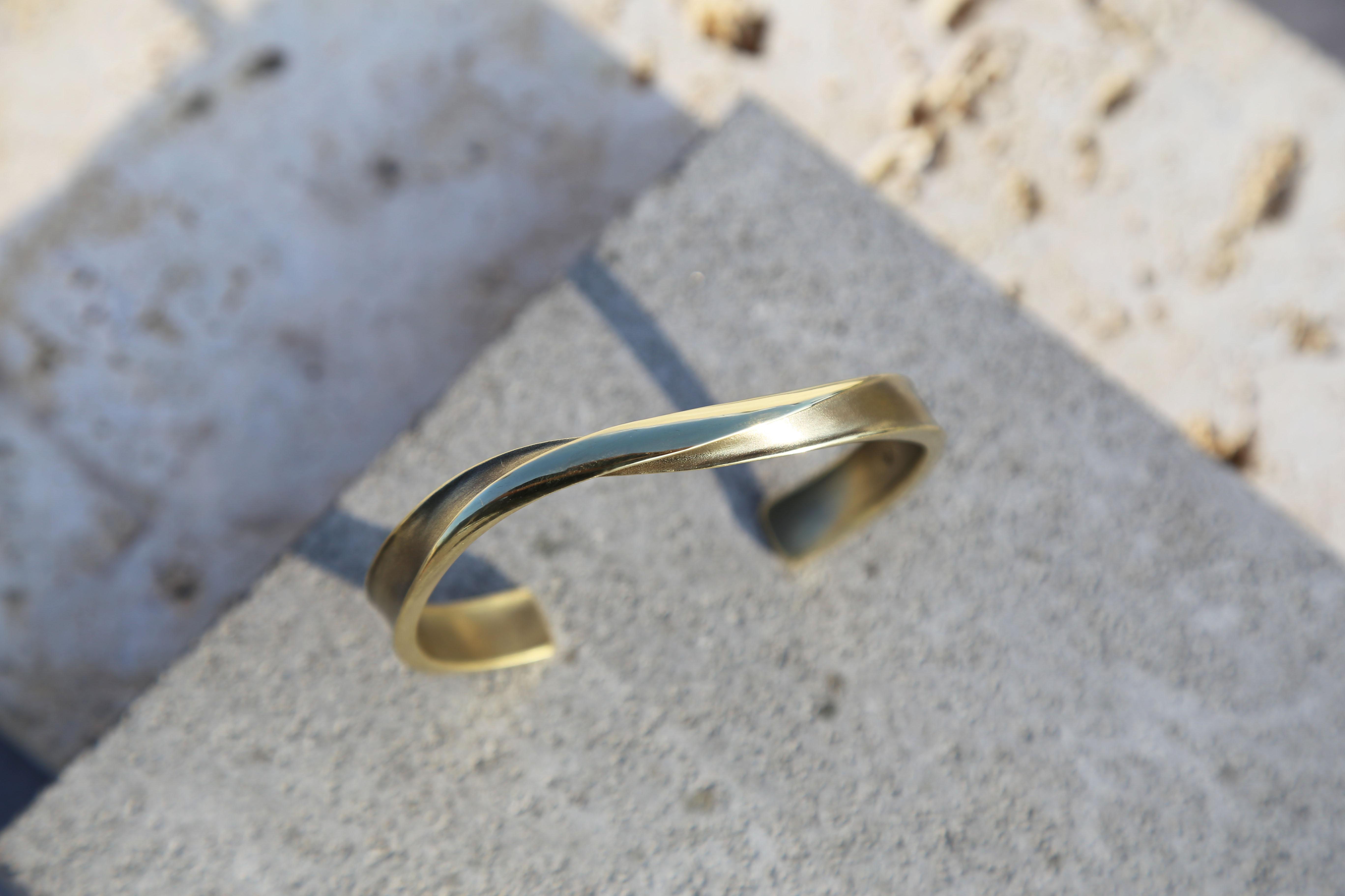 大無限 無紋 鍛敲黃銅手環 寬版