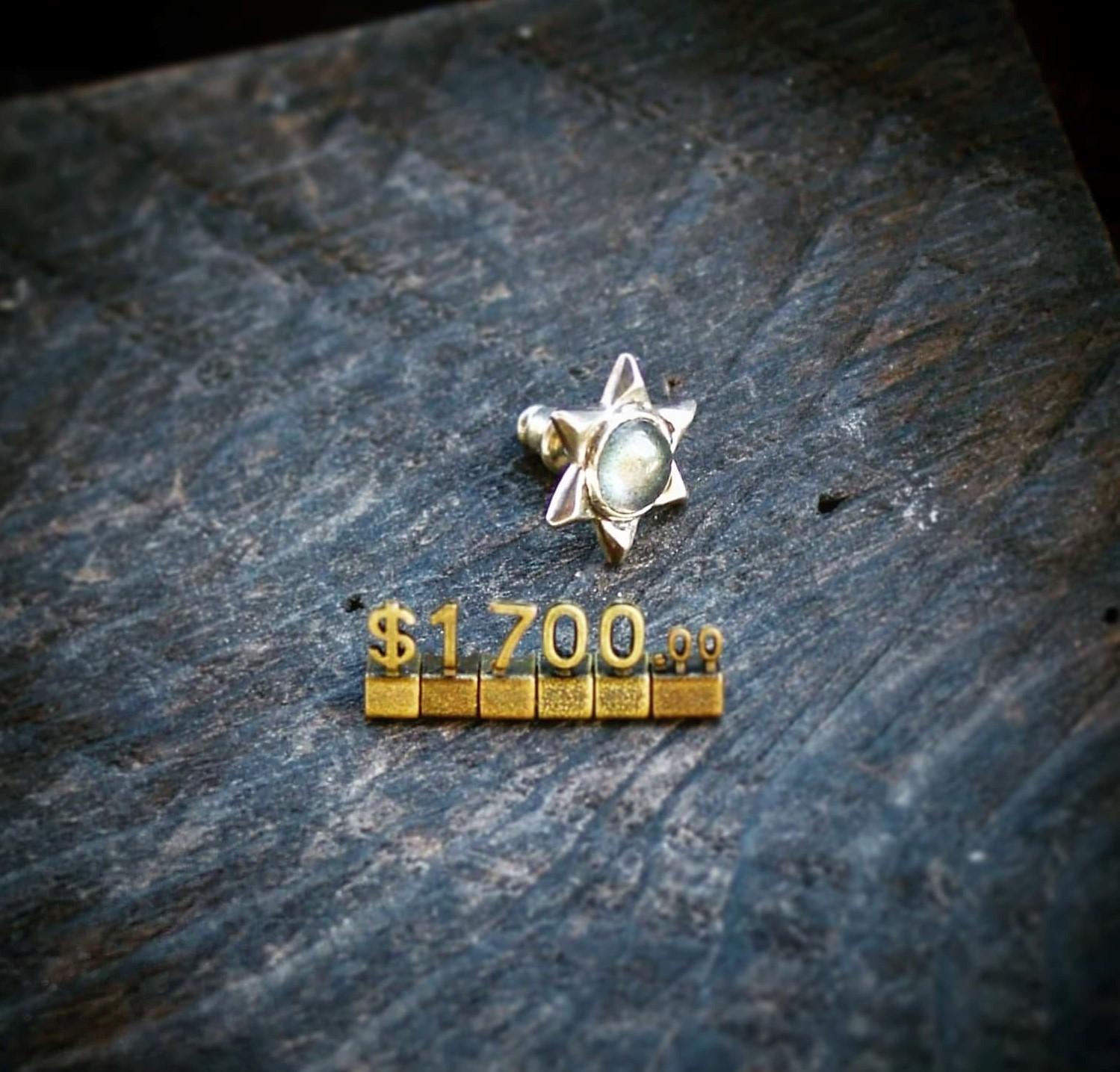 六角冰晶 光譜石(針式)耳環 Snowflake earring