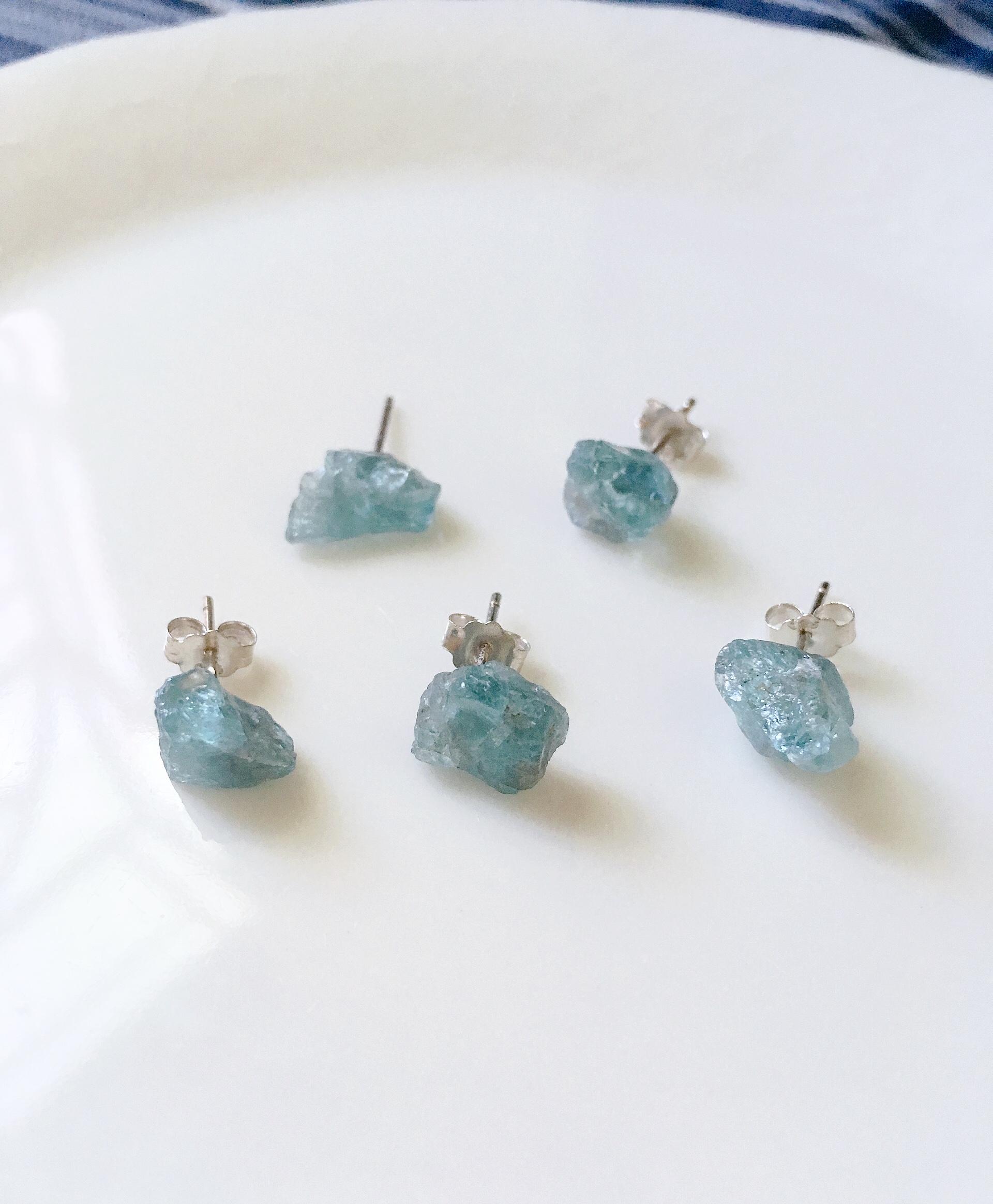 磷灰石 原礦耳環 單支 大小8-10mm