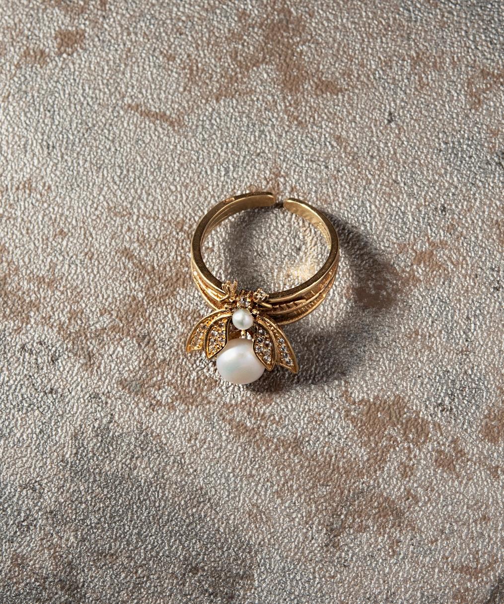 珍珠蜜蜂戒指