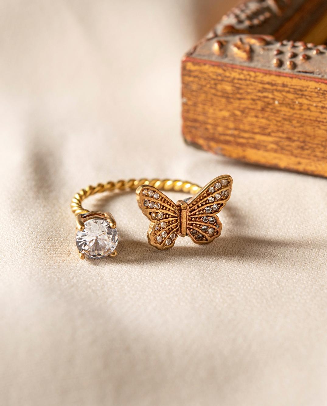 蝴蝶嬉遊戒指 圓鑽款