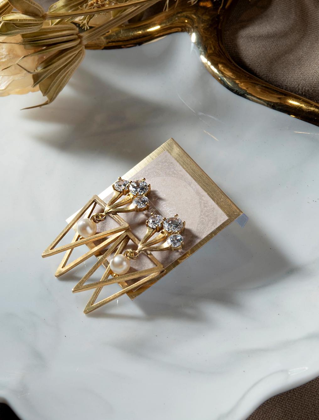 聖殿寶物貼式耳環
