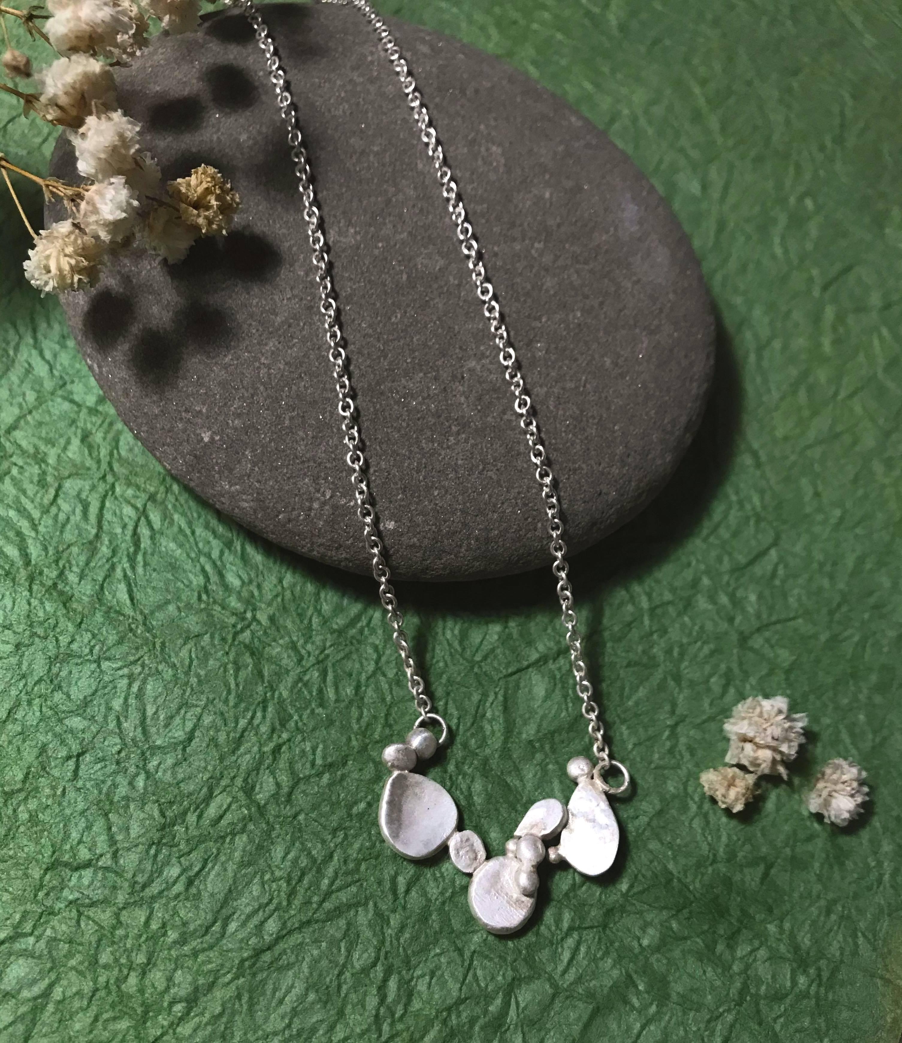 游水系列—霧銀小石子項鍊