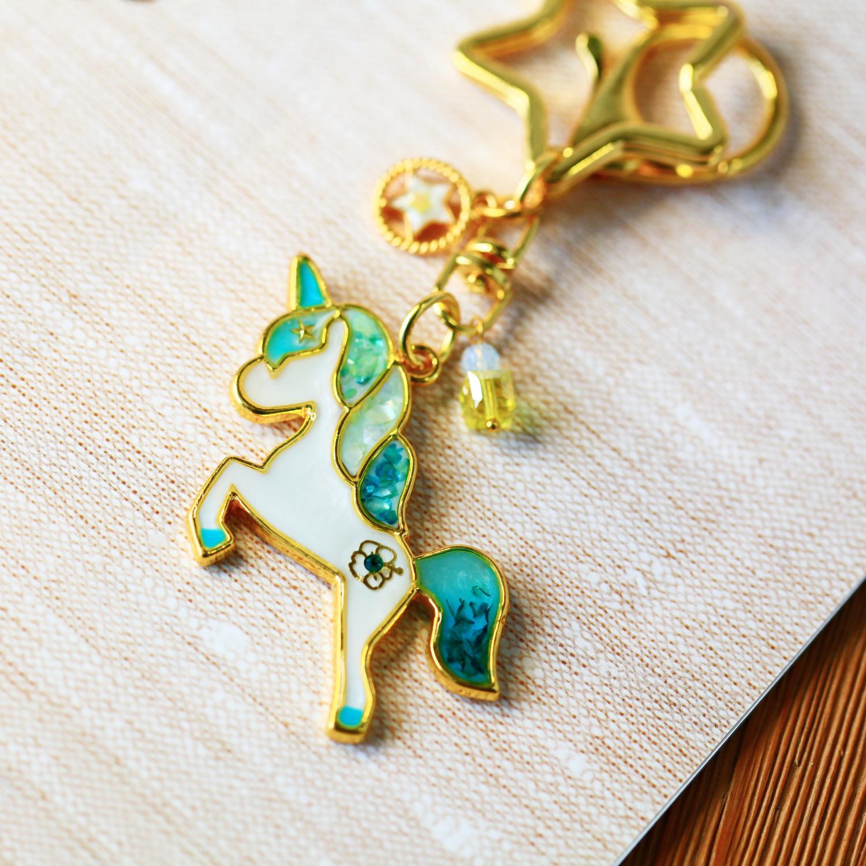 Molla 水藍飛天小白馬吊飾(女生最愛手作吊飾、鑰匙圈)